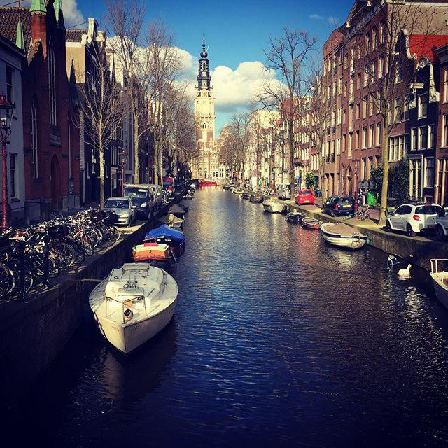 CanalsAmsterdam Tourist